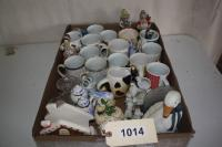 Box of Mugs & Miscellaneous Figurines