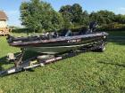 1993 STRATOS 201 PRO - XL W/ 1993 200 EVINRUDE 20.5 FT LONG STARTS AND RUNS GOOD
