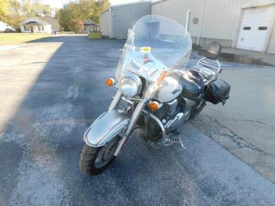 2009 Kawasaki Vulcan 900. White and Silver; 7,541 Miles.
