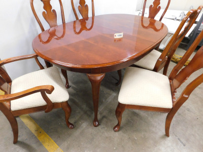 Dining room table Cherry finish with 6 chairs and 1 leaf