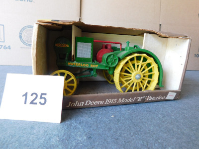 "John Deere 1915 Model ""R"" Waterloo tractor die-cast 1:16 scale  #559"