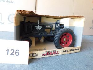 Farmall F-20 Tractor die-cast 1:16 scale