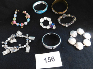 8 piece costume jewelry braclet lot