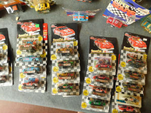 box of assorted match box cars approx 88 pcs