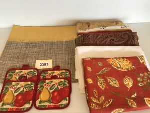 Tablecloths (5), Placemats (12), Pot Holders (4)